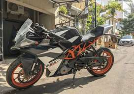 Ktm rc 390 with new battery and tyres