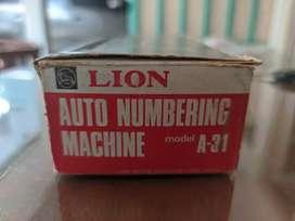 Numerator 13 angka merk lion