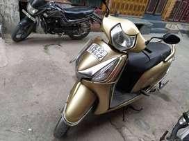 Honda aviator golden colour disc break scooty