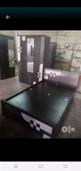 New Double bed Size:4*6 Rs:6000/- Real l
