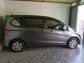 Mobil Freed THN.2014