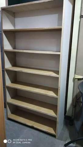 Plywood book shelf