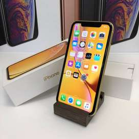 SUPER CONDITON I PHONE XR 256 GB  ALL COLOR AVAILABLE  FREE HOME COD A