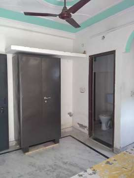 Individual one room set available for rent in mayur vihar phase 1