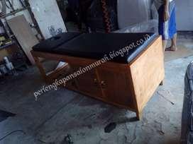 bed massage matras hitam rangka urat kayu loker 2 pinggir