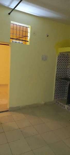 1bhk room available in garha near gautam madhiya