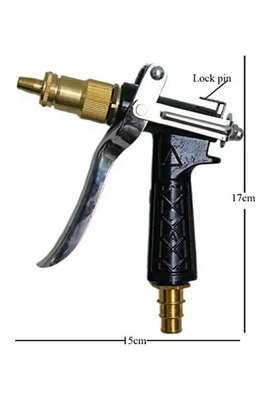 Spray pressure nozzle gun