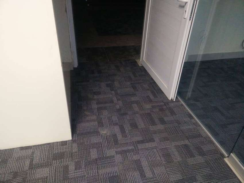 Carpet tileS VERY EASY TO USE AND INSTALL 0