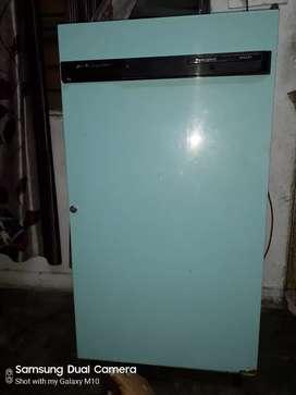 Good quality fridge of kelvinator