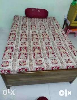 4/6 Single bed with strong wood