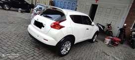 Nissan Juke 2012 white A/T