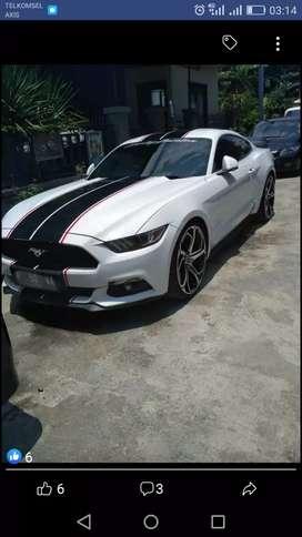 Mustang putih 2015