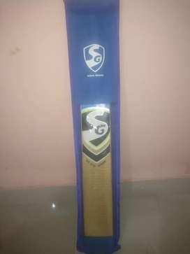 SG Sparks 319 Leather Bat only 6Months old