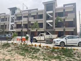 Ready to Move 3 Bhk park facing floors