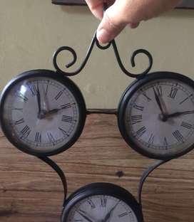 Jam Gantung Antik