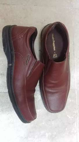 Brown Hush Puppies shoes (size 7)