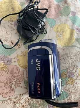 jvc full hd handycam,,small in size,,4x zoom.