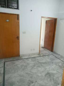 Flat for Rent, 2nd floor ,2 rooms, Ghalib Market, Gulberg 3, Lahore.
