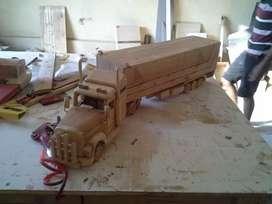 Miniatur truk full kayu