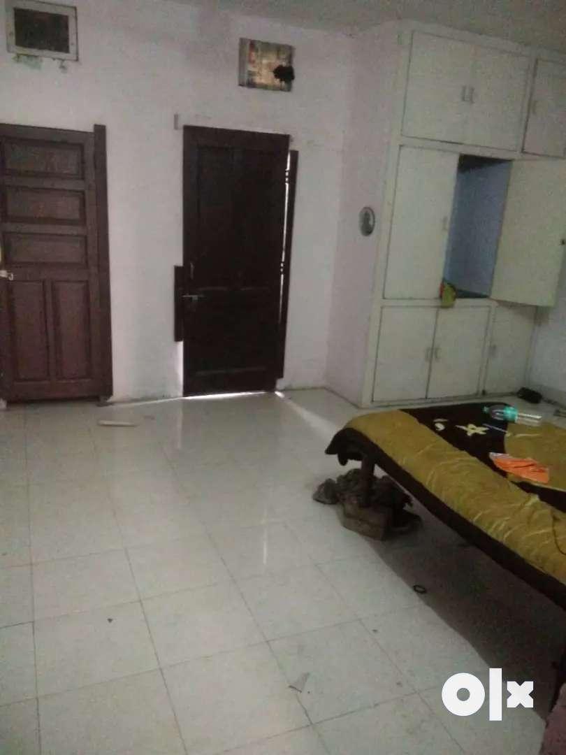 A perfect house in posh area (Near Durga Mandir) 0