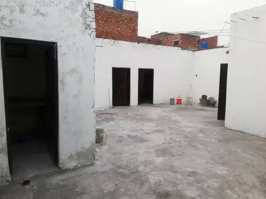 12 marla upper portion forrent in B.O.R society johar town lahore 0