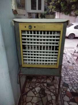 Cooler for sale in good condition