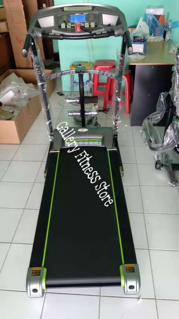 Treadmill elektrik paris i-Reborn 0