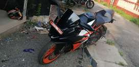 KTM RC 200. ALL PAPERS ARE CLEAR. SHOWROOM CONDITION. NO COMPLAINTS.