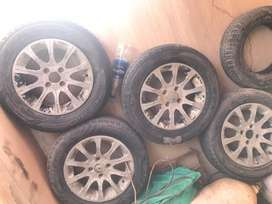 14 size rim tyre available.