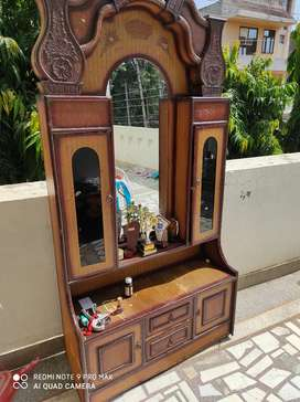 Dressing table with mirror and drawer