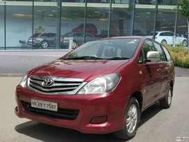 Toyota Innova 2.5 V 7 STR, 2010, Diesel