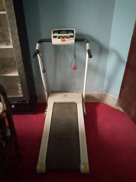 Running machine carring 100 kg waight
