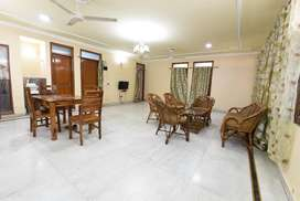 4 BHK Fully Furnished Flat for rent in Sainik Farm for ₹40000, Delhi