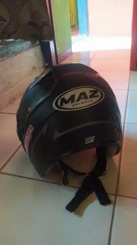 Saya menjual helm maz