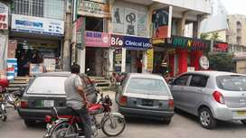 Blue area shop garaund floor for Rent prime location