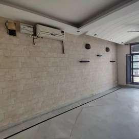 owner free 2 bedroom D/D attached bathroom sec 38