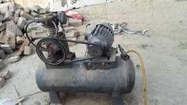 Air compressor /  compressor at 8000 RS. only