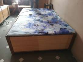 Diwan bed double bed size (4.5*6) with storage.