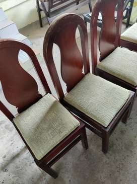 A complete six seater dining set(8*4)