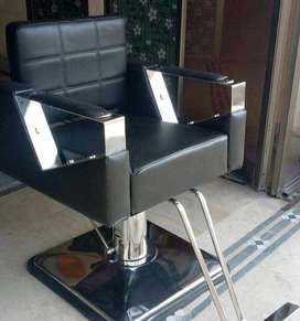 Cutting Chair - Salon equipment at wholesale price