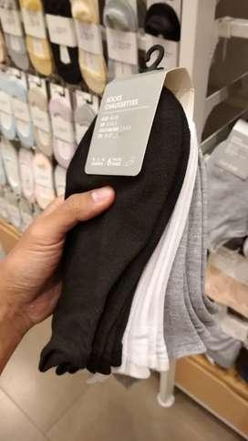 Kaos kaki miniso