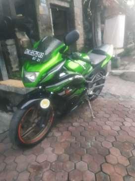 Bali dharma motor//jual Kawasaki ninja R THN 2015