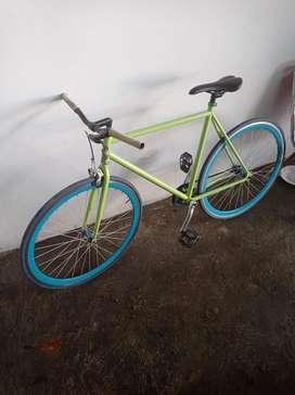 Sepeda fixie mulus