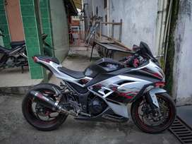 Kawasaki Ninja 250 spesial ed..