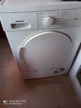 Clothes Dryer Machine in very good condition