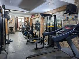 3 year old gym for sale urgently 3.5lac