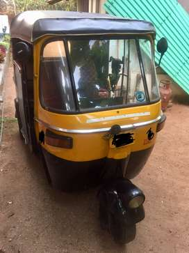 Auto rickshaw- hybrid( petrol and gas) with town permit