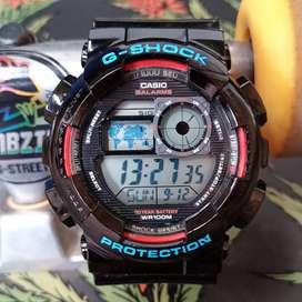 Casio G-Shock GA-100 Custom Engine Casio AE-1000 Original