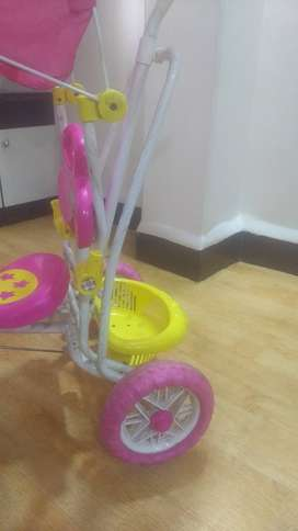 Tricycle with push handle for kids