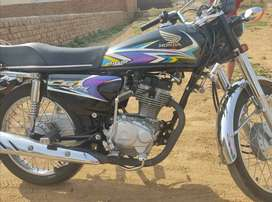 HONDA 125 For sale Price 1,28000 condition 10/10, 6000km runned only.